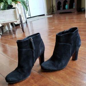Sam Edelman black ankle bootie heel suede 6